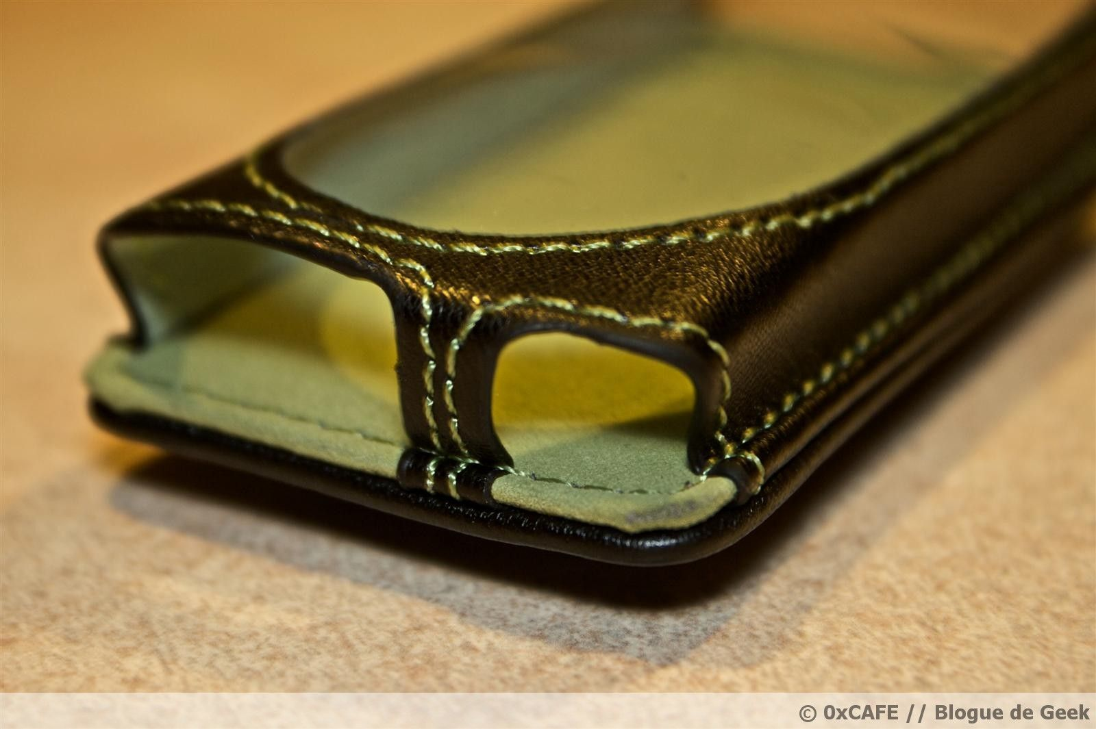 image 52 - [Évaluation] Étui de cuir HipCase de DLO pour le Zune 8Go