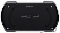 sony psp go 2 200x112 - Annonce de la PSP GO! pour l'automne