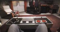 nes table 3 200x109 - Une vraie table à café manette de Nintendo fonctionnelle!