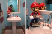 mario bathroom bottom 200x131 - Une salle de bain sur le thème de Super Mario Bros.!