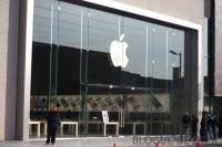 IMG 8147 imp 200x133 - Ouverture du Apple Store du Quartier Dix-30