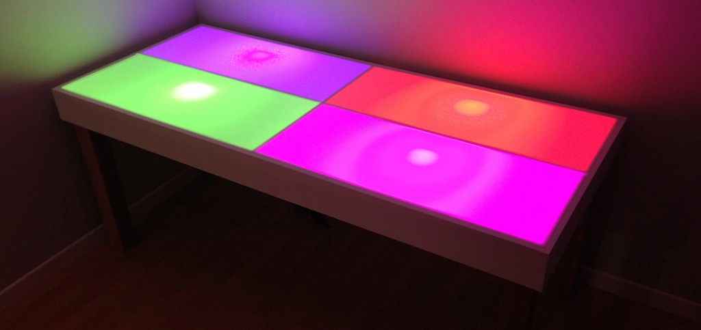 cr ation d 39 un bureau intelligent philips hue projet geek. Black Bedroom Furniture Sets. Home Design Ideas